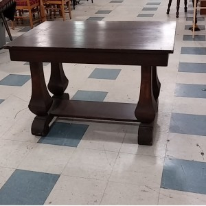 Antique_Table_Chisled_Legs